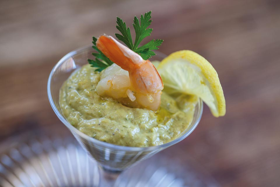 Shrimps with avocado herbs & lemon